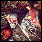 Halloween Dekoration Flyin Circus Totenkopf
